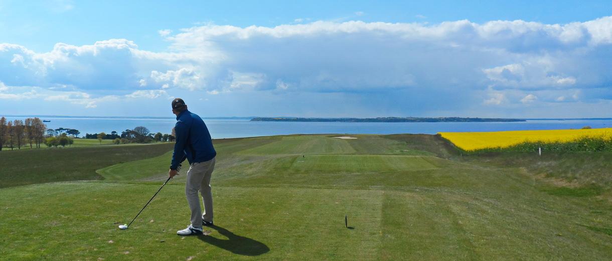Golf i Skåne - Landskrona Golfklubb - Utslag från Hildesborg 11:e tee
