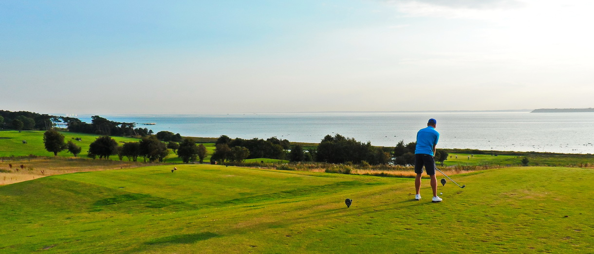 Golf i Skåne - Landskrona Golfklubb - Utslag från Hildesborg 12:e tee