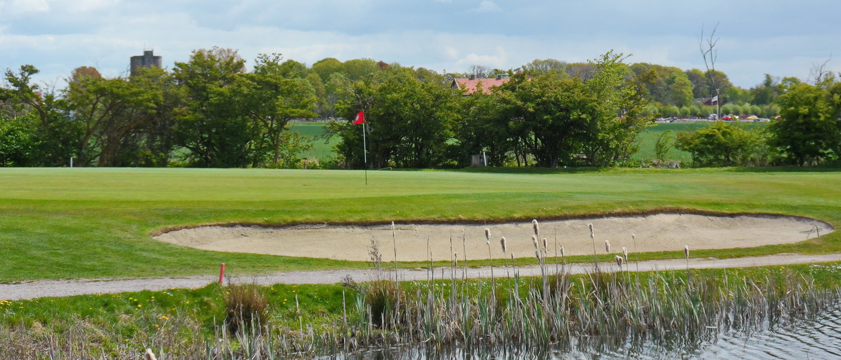 Golf i Skåne - Landskrona Golfklubb - Hildesborg green hål 1