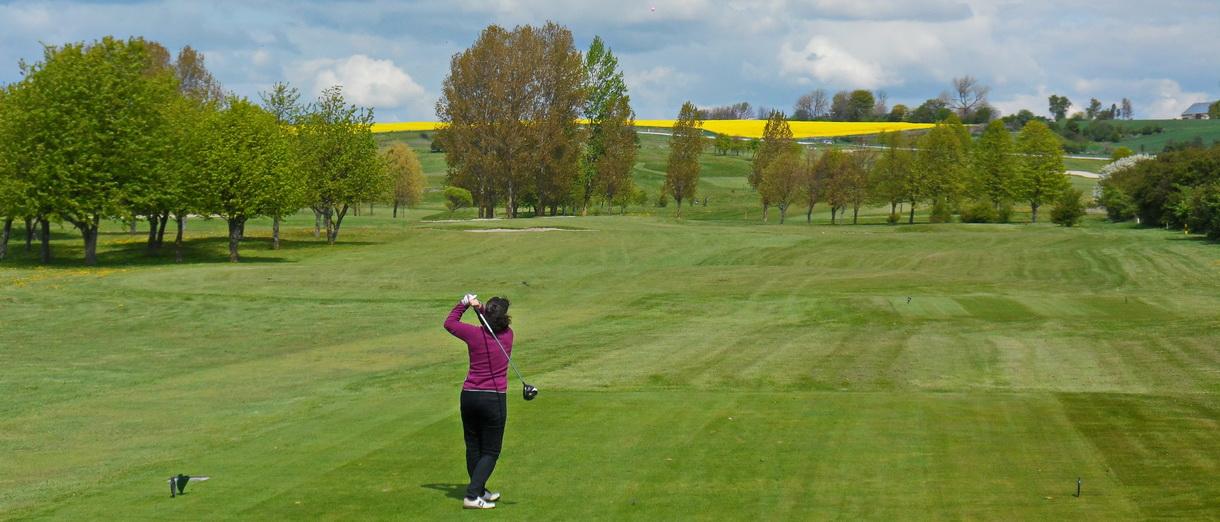 Golf i Skåne - Landskrona Golfklubb - Utslag från Hildesborg 3:e dam tee