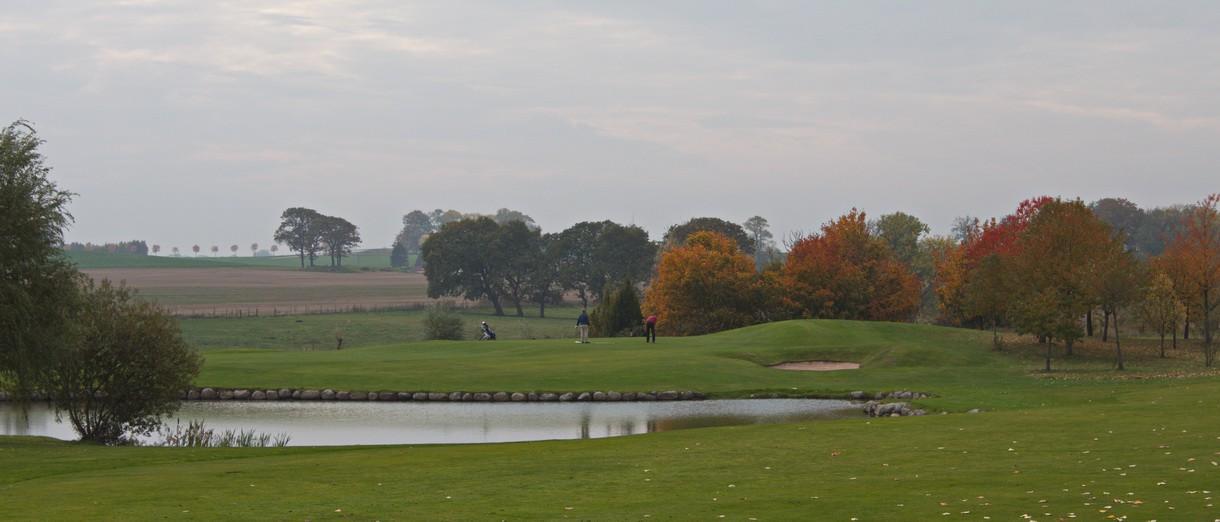Golf i Skåne - Kävlinge Golfklubb bild från banan 3